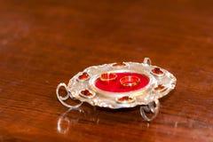 Детали события золотистые кольца 2 wedding Стоковые Изображения RF