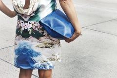 Деталь аксессуаров женщины outdoors Стоковая Фотография