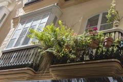 Деталь балконов и больших окон на времени ninetee Стоковое Изображение