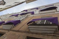 Деталь балконов и больших окон на времени ninetee Стоковые Фото