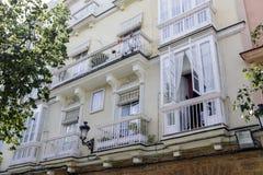 Деталь балконов и больших окон Стоковые Изображения RF
