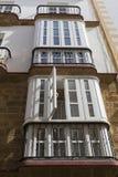 Деталь балконов и больших окон Стоковая Фотография