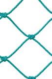 Деталь веревочки столба цели футбола футбола установленная сетчатая, новое зеленое плетение Goalnet Ropes картина узлов, вертикал Стоковое Фото