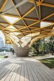 Деталь верхней части крыши формы диаманта павильона сада в садах ` s Perdana Куалаа-Лумпур ботанических в Jalan Tembusu, Малайзии Стоковая Фотография RF