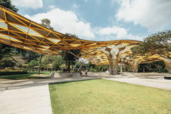 Деталь верхней части крыши формы диаманта павильона сада в садах ` s Perdana Куалаа-Лумпур ботанических в Jalan Tembusu, Малайзии Стоковая Фотография