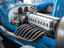 Деталь двигателя и выхлопных труб винтажного гоночного автомобиля Стоковое Фото