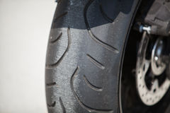 Деталь колеса мотоцикла стоковое изображение