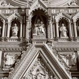 Деталь от фасада собора в Флоренсе, Италии Стоковая Фотография RF