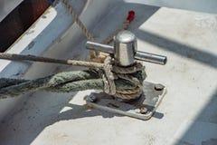 Деталь пала шлюпки на предпосылке открытого моря Стоковые Фото