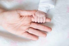 Деталь руки младенца Стоковое фото RF