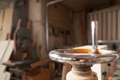 Деталь рукоятки в мастерской плотника Стоковая Фотография RF