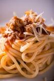 Деталь семенить мяса на части спагетти Стоковая Фотография