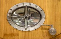 Деталь современной большой бочки для заквашивания. Стоковые Фото