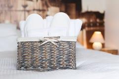 Деталь спальни гостиницы стоковые фото