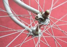 Деталь старого велосипеда дороги - переднего колеса Стоковые Изображения