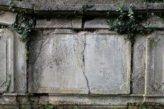 Деталь старого могильного камня Стоковое Фото