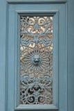 Деталь старой двери в Париже стоковое фото