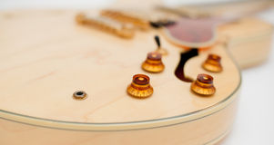 Деталь тела электрической гитары стоковая фотография