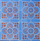Деталь традиционных плиток от фасада старого дома декоративные плитки Valencian традиционные плитки флористический орнамент Майол Стоковое Изображение RF