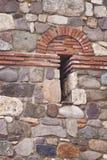 Деталь укрепленной каменной стены стоковое фото rf