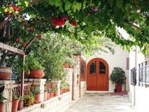 Деталь achitecture двери в гостинице строя Грецию Стоковая Фотография RF