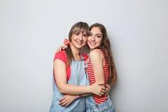 2 детеныша женщины Стоковое Фото