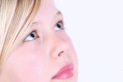 детеныши белокурой девушки с волосами Стоковое Изображение