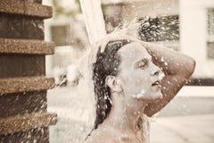 детеныши воды человека Стоковое Изображение