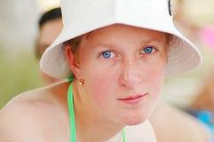 детеныши девушки голубых глазов Стоковые Фото