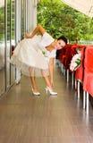 детеныши девушки невесты стоковое фото rf