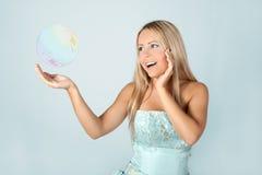 детеныши девушки платья шарика голубые Стоковые Изображения