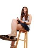 детеныши девушки сидя Стоковое Изображение