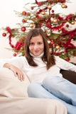 детеныши женщины вала рождества передние сидя Стоковые Изображения RF