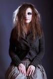 детеныши женщины ведьмы halloween Стоковое Изображение