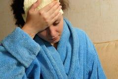 детеныши женщины головной боли Стоковое Фото