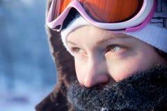 детеныши женщины зимы дня Стоковые Фото