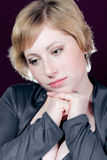 детеныши женщины красивейшего сиротливого раздумья сексуальные Стоковая Фотография