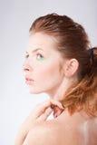 детеныши женщины красивейшего с волосами профиля красные Стоковая Фотография
