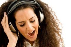 детеныши женщины петь стоковая фотография rf