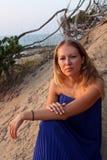 детеныши женщины пляжа красивейшие Стоковое Изображение