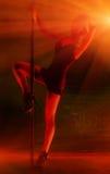 детеныши женщины полюса танцульки сексуальные Стоковое Фото