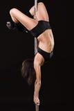 детеныши женщины полюса танцульки сексуальные Стоковая Фотография RF