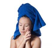 детеныши женщины портрета ванны красивейшие Стоковое Изображение