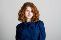 детеныши женщины портрета красотки стоковые фотографии rf