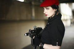 детеныши женщины пушки сексуальные Стоковое Фото