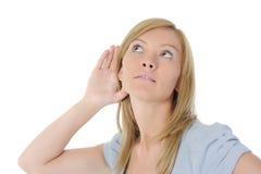 детеныши женщины сплетни слушая Стоковые Изображения