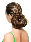 детеныши женщины творческого стиля причёсок самомоднейшие Стоковое Изображение