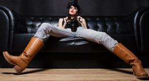 детеныши женщины фото камеры блестящие Стоковые Изображения