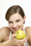 детеныши женщины яблока красивейшие Стоковые Фотографии RF