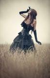 детеныши женщины goth стоковые фото
